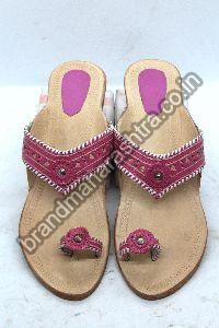 Ladies Pink Strip Box Heel Kolhapuri Chappal