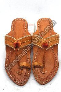 Ladies Triangle Belt Kolhapuri Chappal