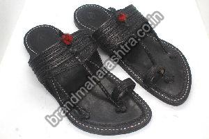 Mens Pointed Kapshi Black Kolhapuri Chappal