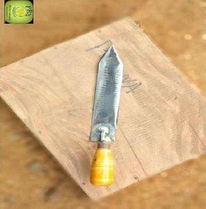 Bee Knife