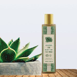 Aloe Vera & Walnut Scrub Face Wash