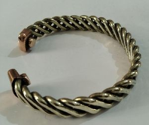 9243 Magnetic Twisted Wire Bracelets