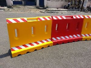 Plastic & Metal Road Barricade for Traffic Management