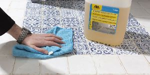 Liquid Tile Cleaner