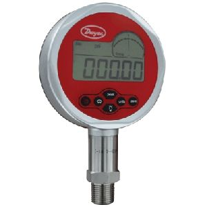Series DCGII Digital Calibration Pressure Gage