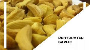 Dehydrated peeled Garlic