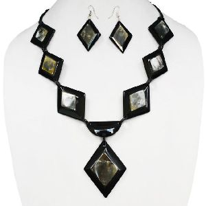 Fancy Resin Necklace