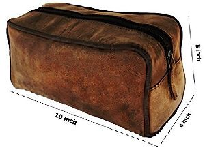Unisex leather brown color toiletry bag