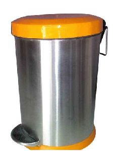 Stainless Steel Plain Orange Dome Lid Dustbin