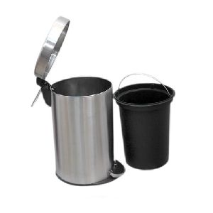 Stainless Steel Plain Pedal Dustbin