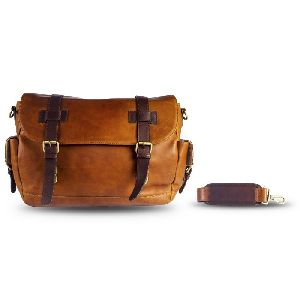 18AB-154A Vintage Messenger Bag