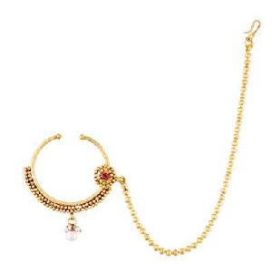 Gold Nathiya with Long Chain