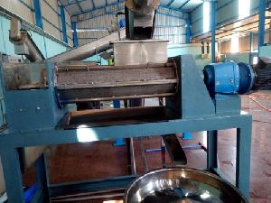 500 Kg/Hr Coconut Milk Extractor Machine