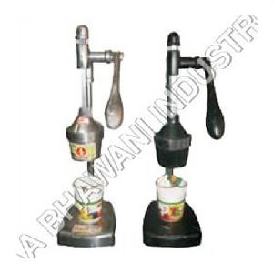 Domestic Hand Press Juicer