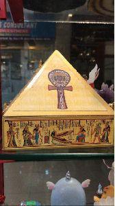 Money Pyramid Box