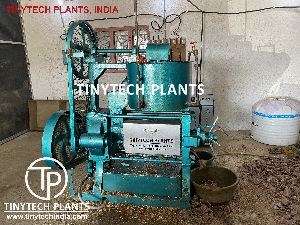 MINI GROUNDNUT OIL MILL PLANT