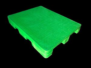 Four Way Roto Molded Plastic Pallet
