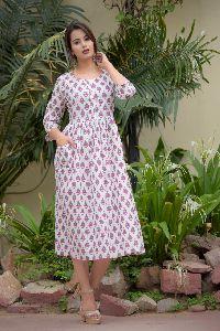 PE19A066 - Pink Cotton Mulmul White Kurti