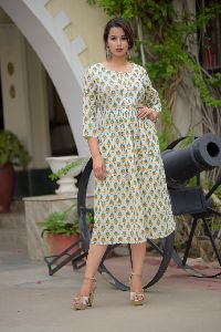 PE19A066 - Green Cotton Mulmul White Kurti