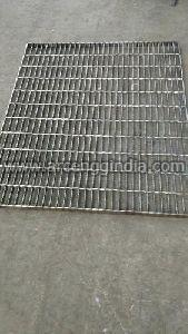 Anti Skid Serrated Stainless Steel Gratings