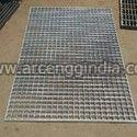 Intermesh and Interlock Grating