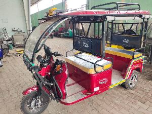 Victory Sumfonl Battery Operated E Rickshaw