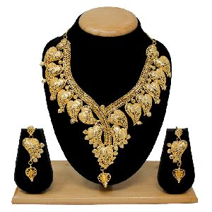 Forming Necklace Set