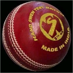 County Test Cricket Ball