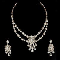 Diamond Necklace Set (DS-2155)