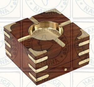 HHC134 Wooden Ashtray