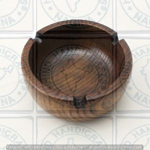 HHC136 Wooden Ashtray