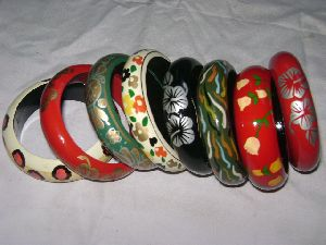 HHC145 Painted Wooden Bangle