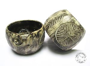 HHC289 Wooden Yarn Bowl