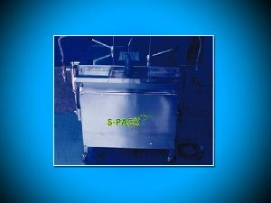 Small Bottle Filling Machine