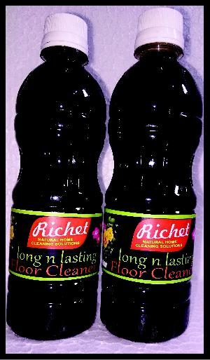 Richet Black Floor Cleaner