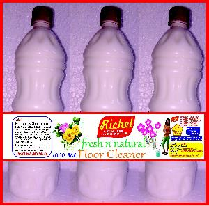 Richet White Floor Cleaner