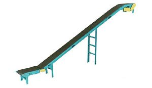 Inclinde Flat Belt Conveyors