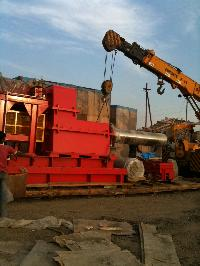 Unloading Crane Rental 03