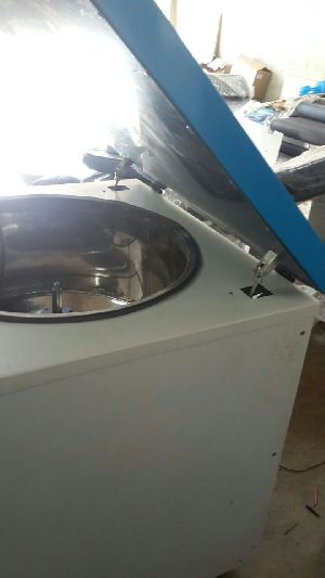Blood Bank Refrigerated Centrifuge 02
