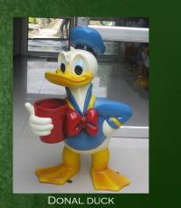 Donald Duck Sculpture