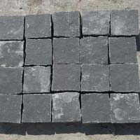 Cobble Lime Black Slate Stone
