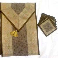 Table Runner Set 05