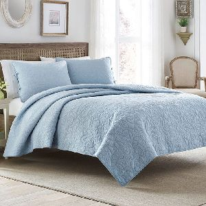 AH-4000-0201-Embroidered Quilt Set