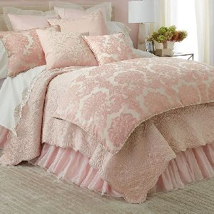AH-4000-0204-Embroidered Quilt Set