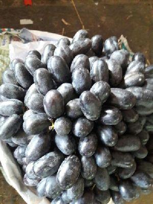 Fresh Black Grapes 02