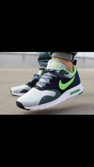 Mens Sports Shoe 07