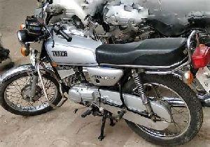 Yamaha RX 100 Repairing Services 06