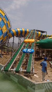 Water Park Tube Conveyor