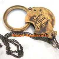 Chain Magnifying Glass