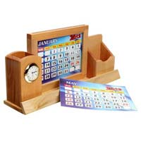 Wooden Pen Holder 03